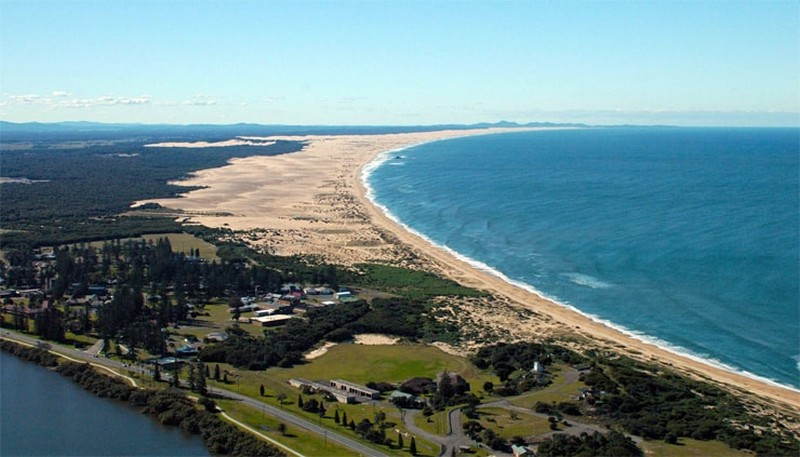 Самые длинные пляжи в мире (11 фото)
